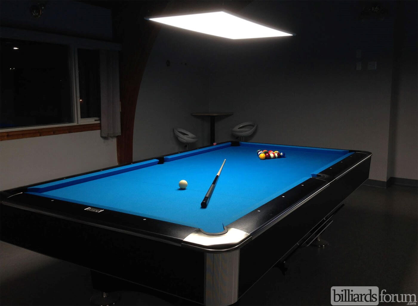 Maritime billiards country lounge dartmouth for Dartmouth swimming pool opening times