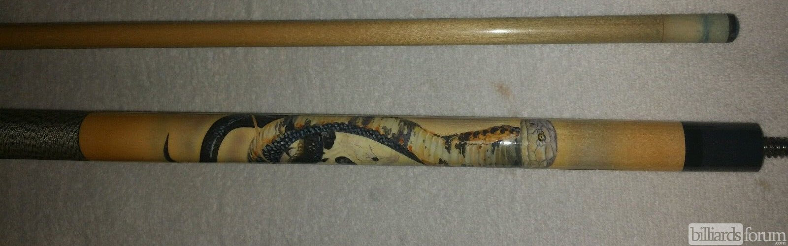 McDermott EL6 Cobra Cue by Doughty 1