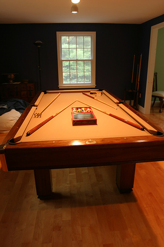 Contrast Tan Pool Table Cloth