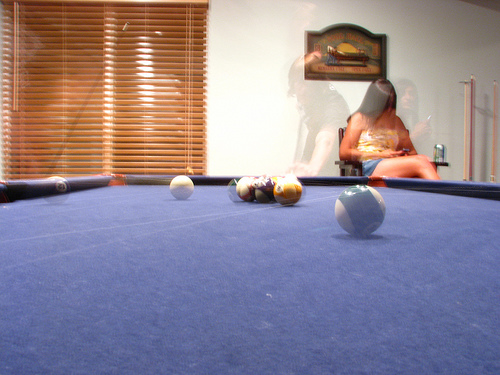 Simple Home Billiard Rooom With Floor Stand Cue Rack