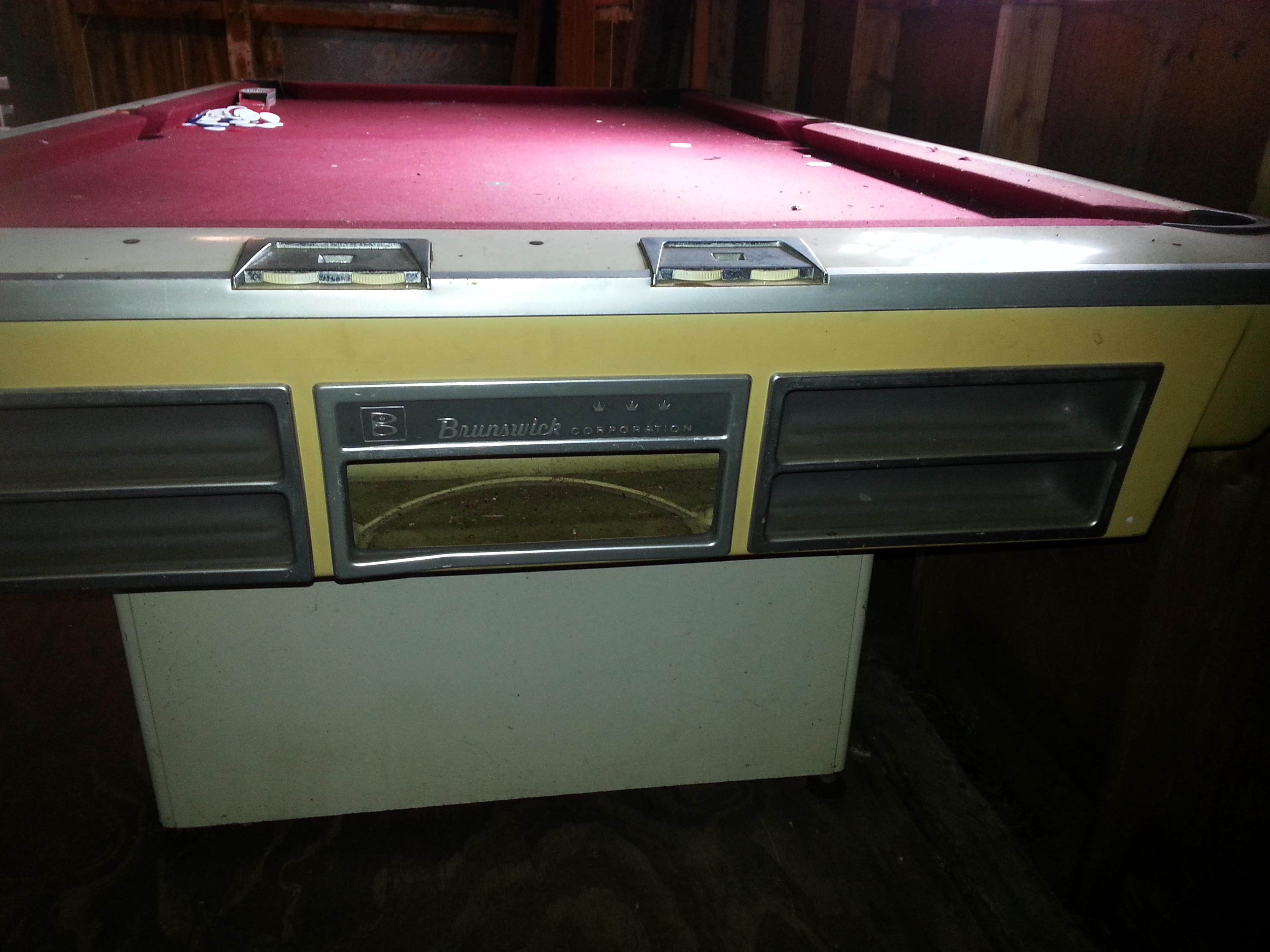 Brunswick Pool Table   02