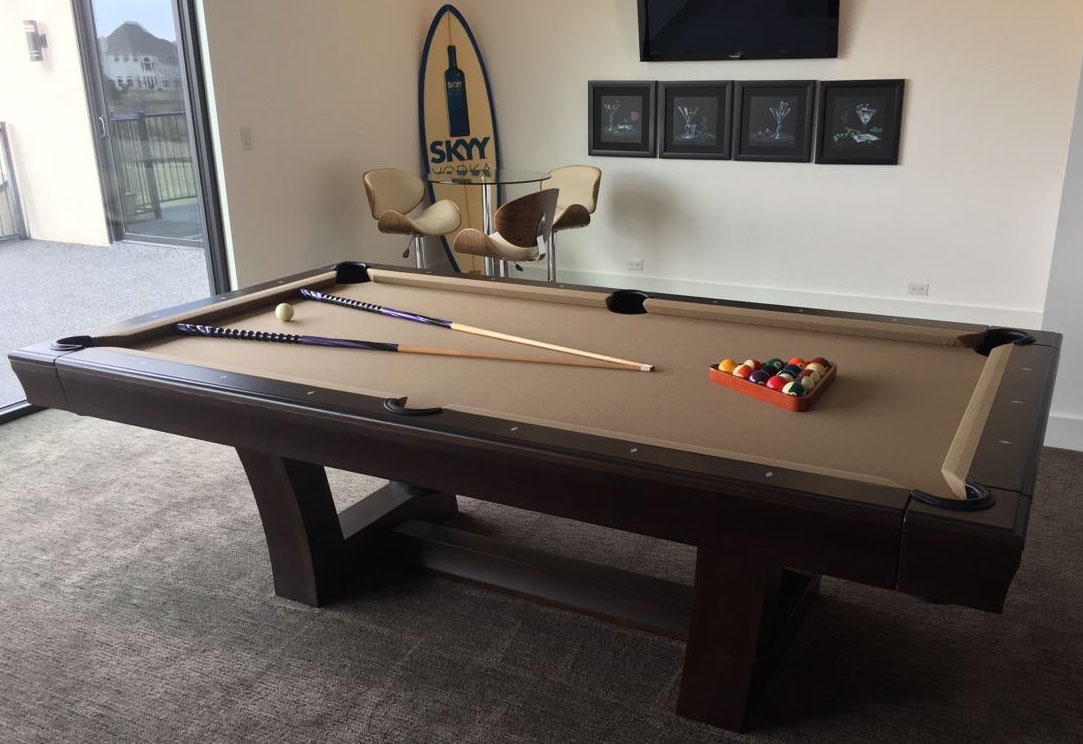 Used Lipscomb Professional Pool Table Like New Condition - Lipscomb pool table