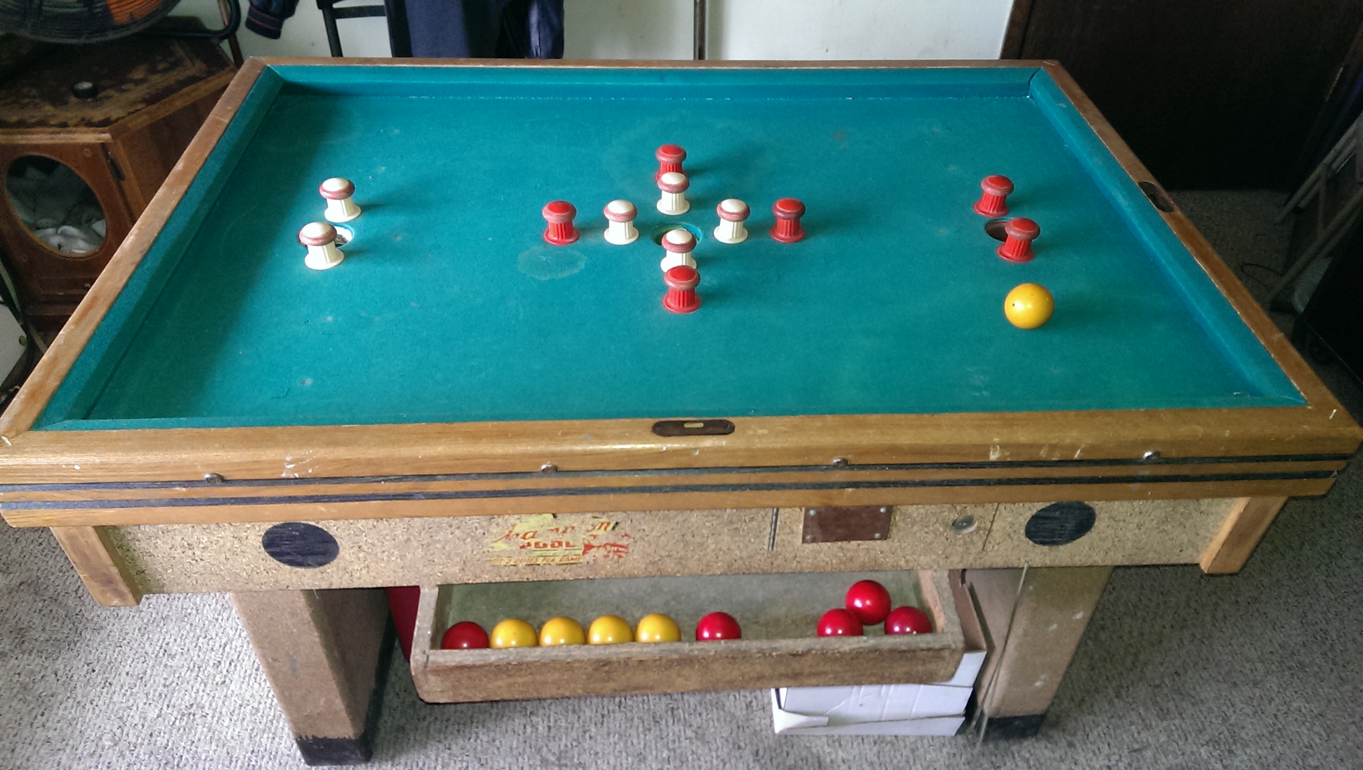 Coin operated bumper pool table what do i have - Bumper pool bumpers ...