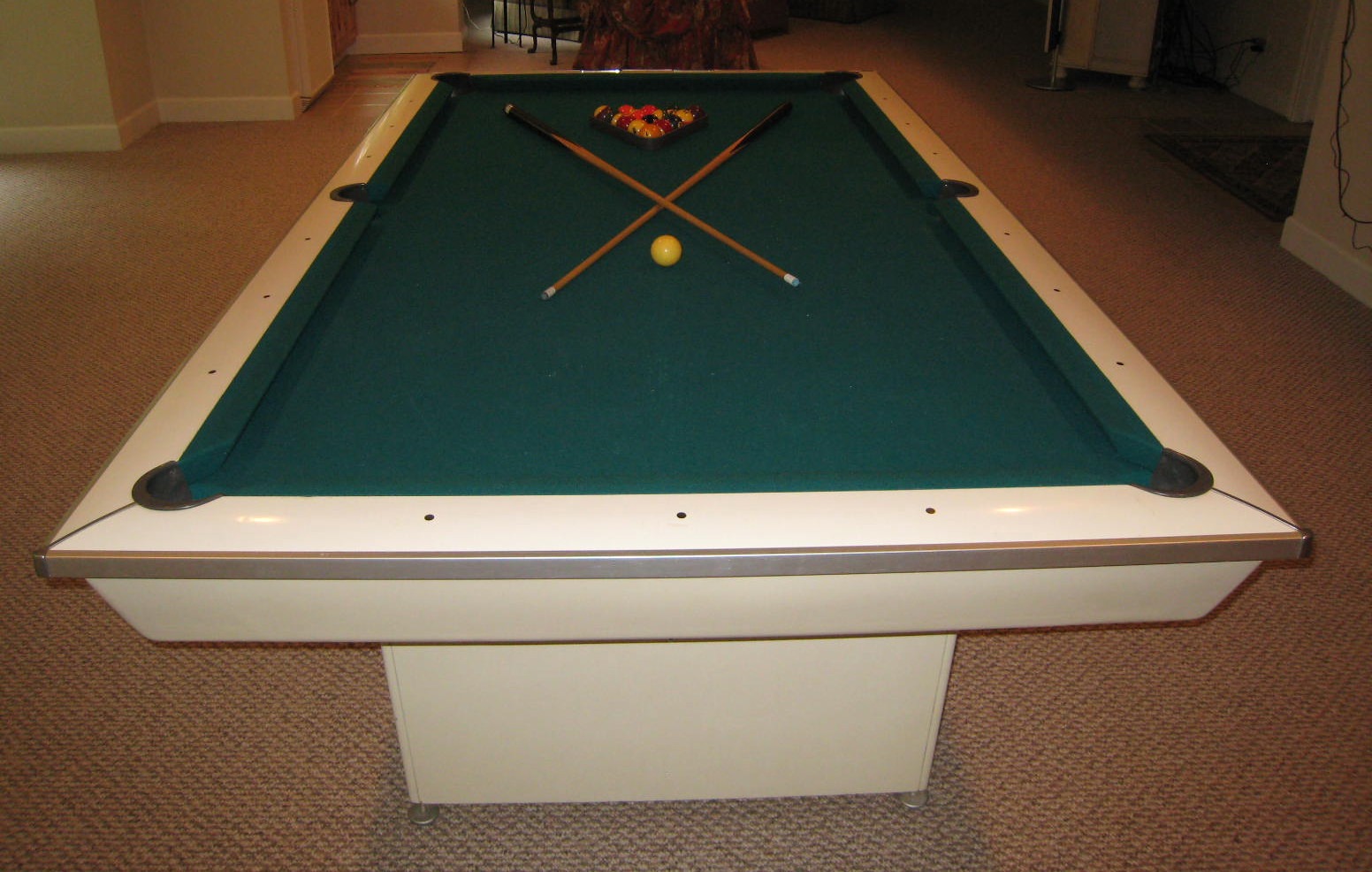 Brunswick Celebrity Pool Table Model Hy : The ...