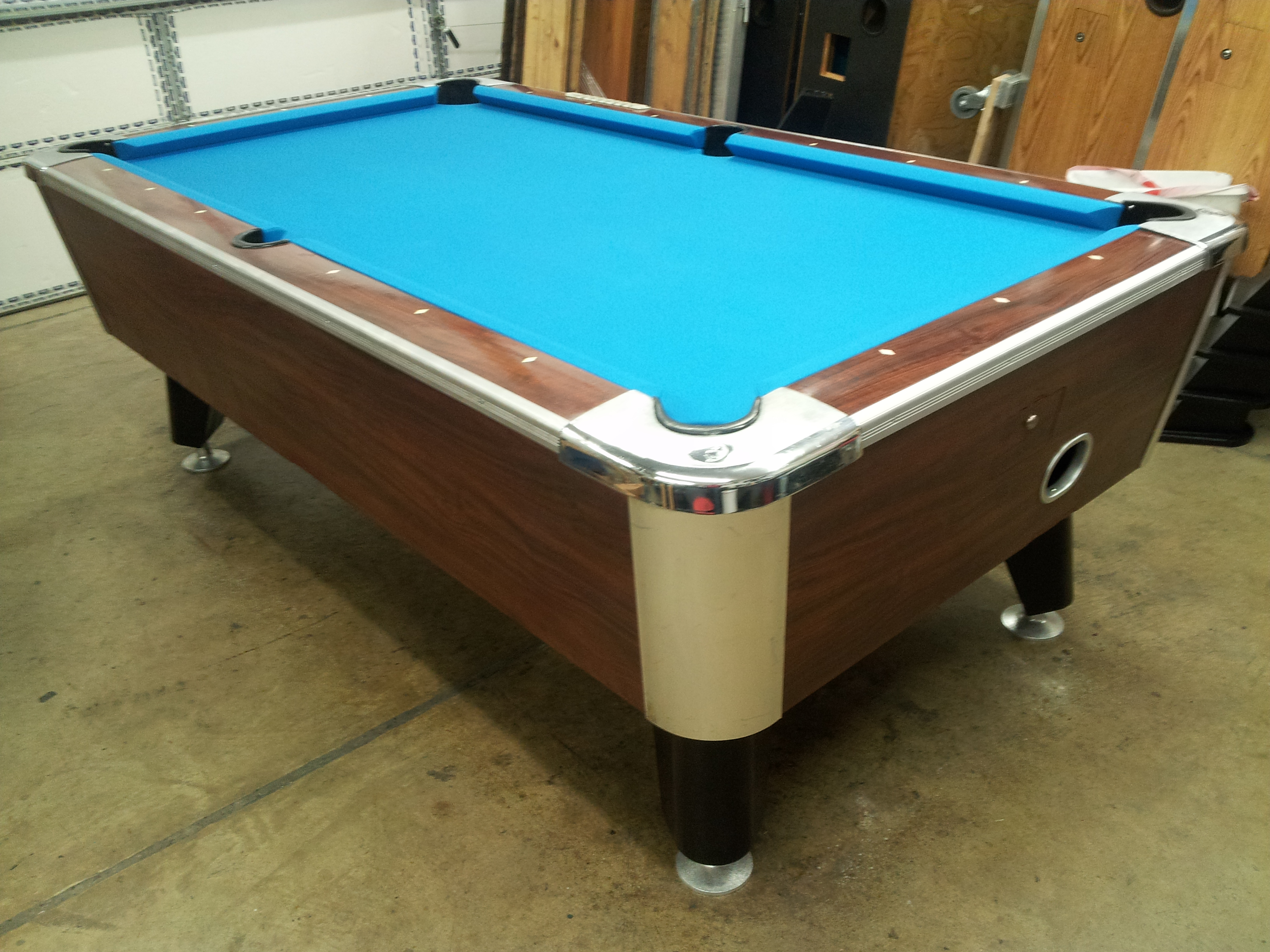 Who Makes This Pool Table With Lights Under The Cushions - Pool table identification
