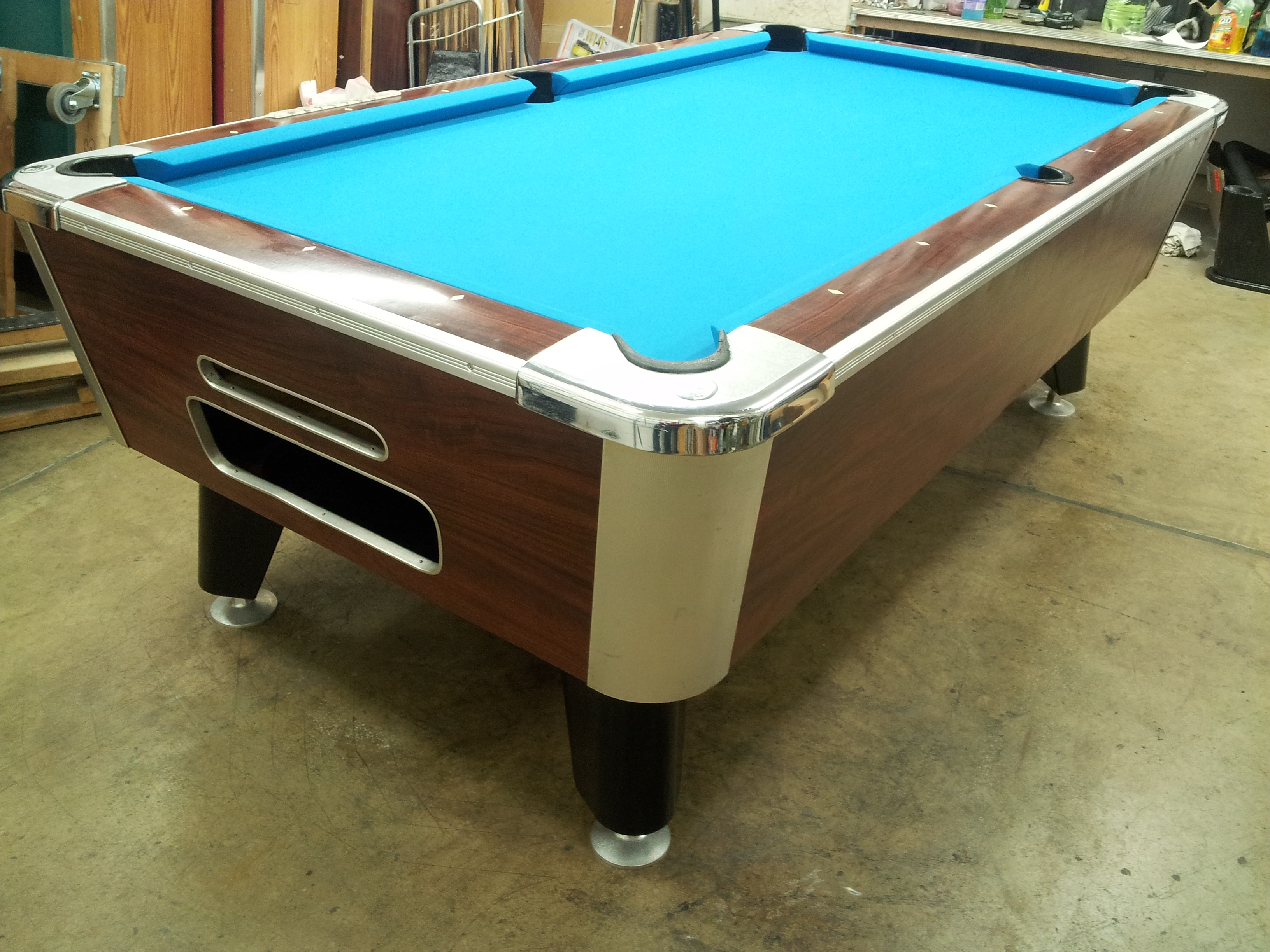 Who Makes this Pool Table with Lights Under the Cushions?