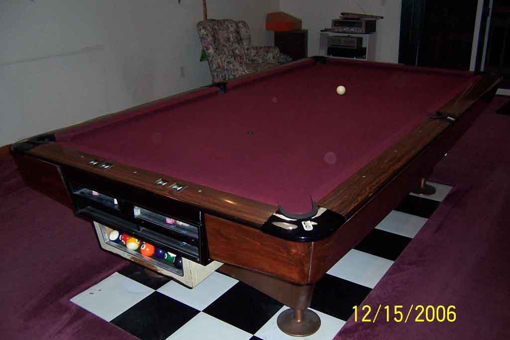 9ft Brunswick Gold Crown Willie Mosconi Pockets